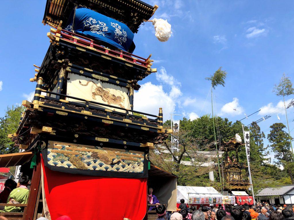 犬山城下で針綱神社に向かってからくり奉納